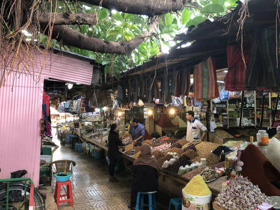 Manger du chameau à Casablanca - Marché aux épices de Derb Sultan