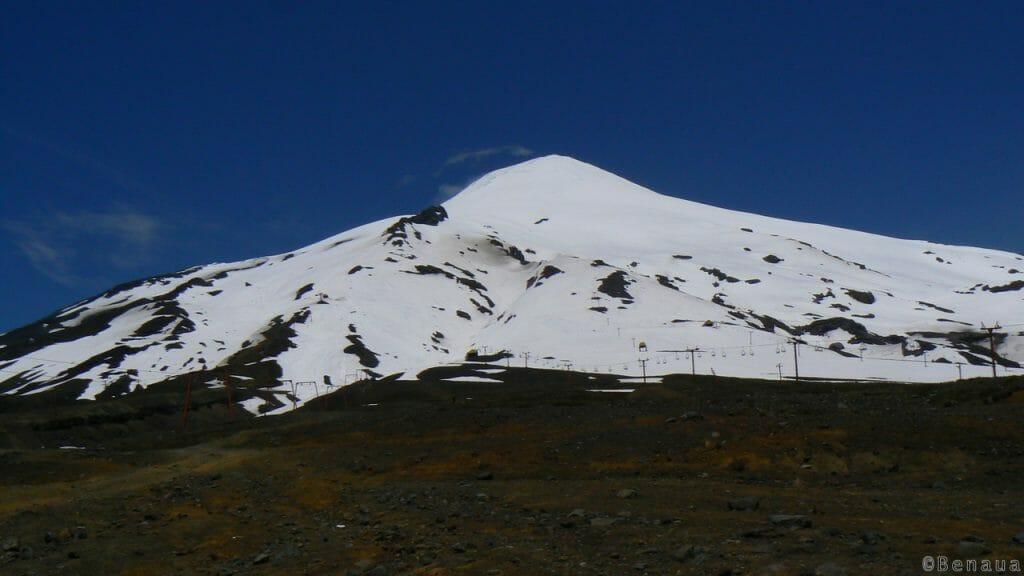 Volcan Actif - Vue du Volcan Villarica du bas des pistes