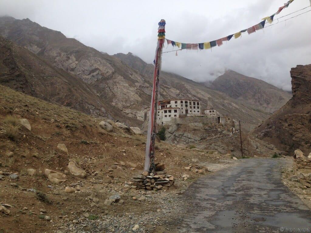 Villages et population Zanskari en Himalaya - Maison Perchée