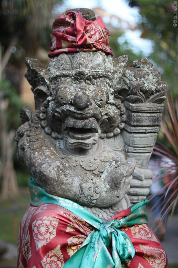 Bali en Indonésie - Superbe statue du Palais Royal Ubud