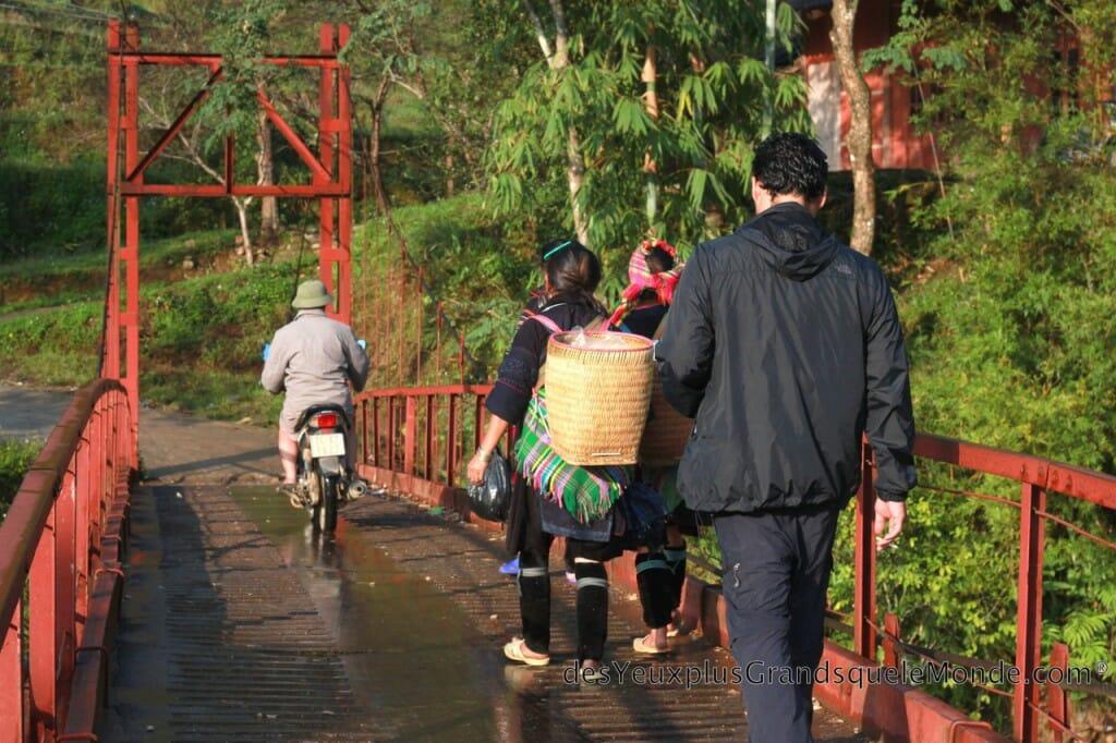 Vietnam en moto - Nos guides à Sapa