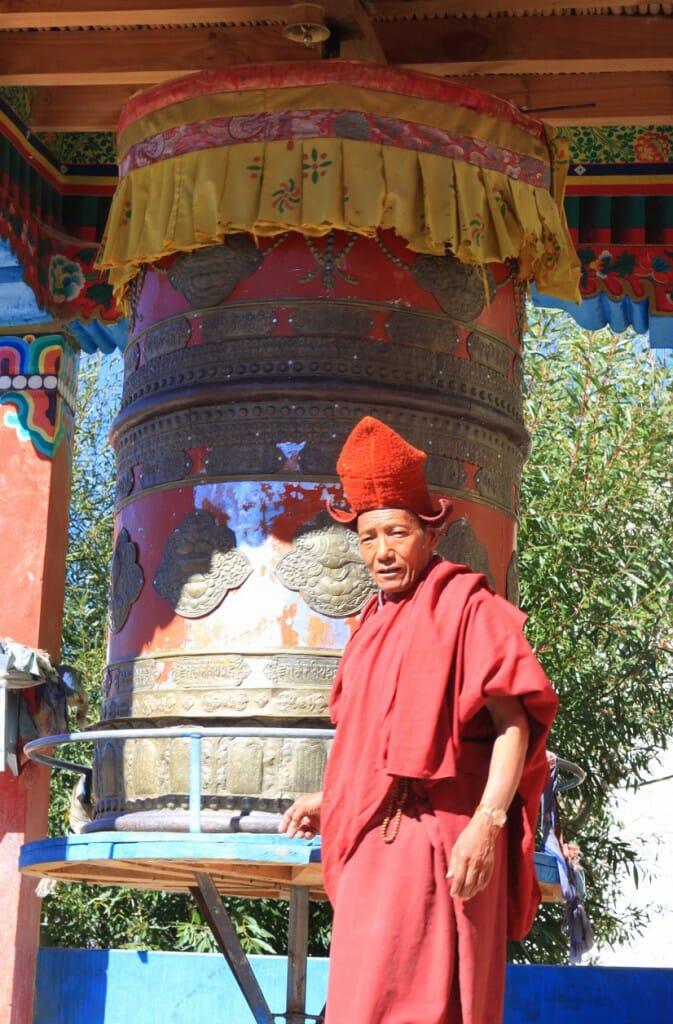 Monastères bouddhistes au Zanskar en Himalaya - Moine de Darsha