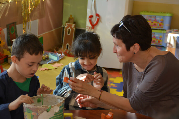 Volontariat avec l'association les Enfants Papillons - Une volontaire au Maroc