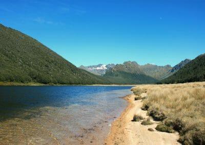 Lac perdu sur l'ile de Murchison en Nouvelle-Zelande