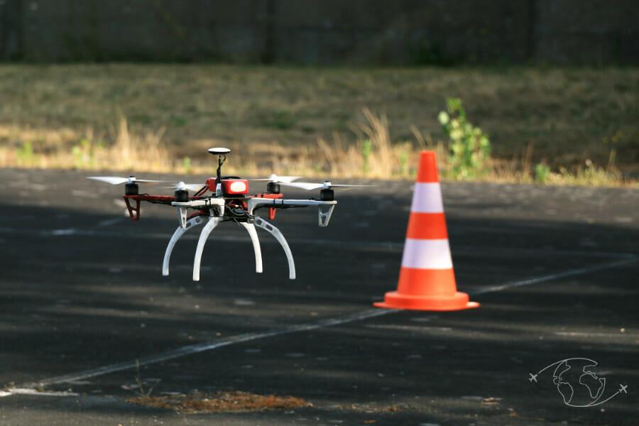 Législation drone en France - Drone en vol