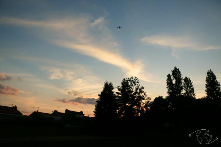 Législation drone en France - Vol de drone au levé de soleil