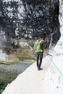 Falaises d'Etretat - Passage en corde après la première cavité