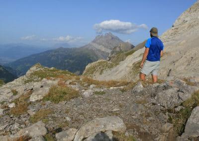 Les Contrebandiers - Devant une vue fantastique des Dents du Midi