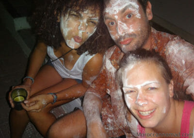 Avec mes 2 accolytes au Carnaval de Barranquilla
