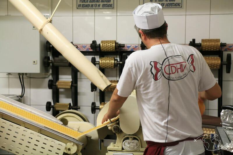 Confiserie des Hautes Vosges - Machine à bonbons (emporte-pièces)