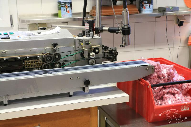 Confiserie des Hautes Vosges - Machine d'empaquetage de bonbons