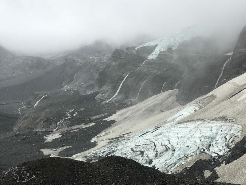 Tour des Dents Blanches - Pierriers et glaciers avant Susanfe