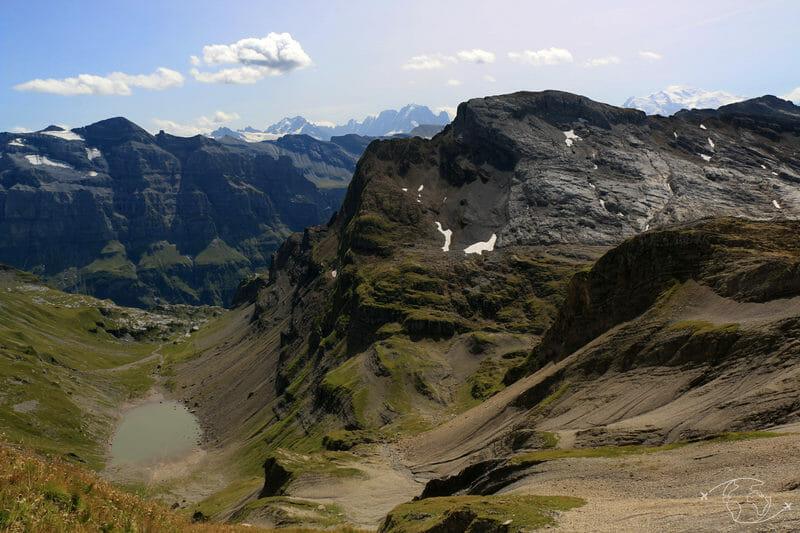 Tour des Dents Blanches - Vue du Pas au Taureau - Lac de la Vogealle