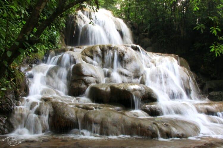 Que visiter au Mexique ? Cascade en forêt à Palenque