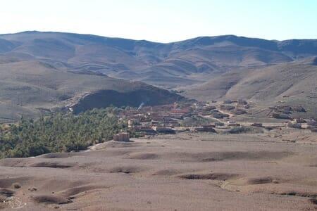 Dernier village avant le désert du Sahara