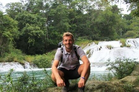 Moi aux cascades de Roberto Barrios