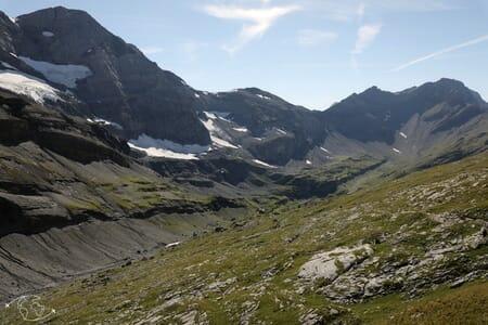 Randonnée suisse - Descente vers la Cabane de Susanfe