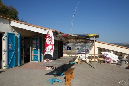 Visiter Narbonne - Ecole de voile à Port Mahon