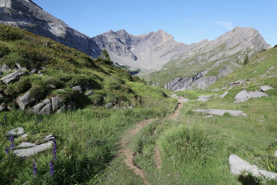 Tour des Dents du Midi - En partant de la Cabane de Susanfe vers le Pas d'Encel