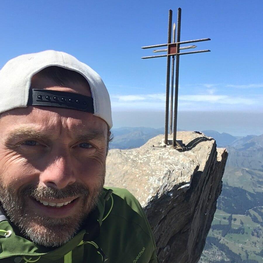 Blog Voyage Nature & Randonnée - Moi au sommet de la Haute Cime - Suisse