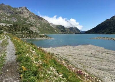 Randonnée suisse - Tour du Lac de Salanfe - Vue sur le barrage et la cabane