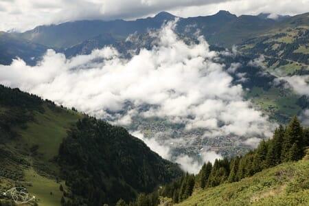 Tour des Dents du Midi - Vue sur Champéry de la Cabane d'Anthème