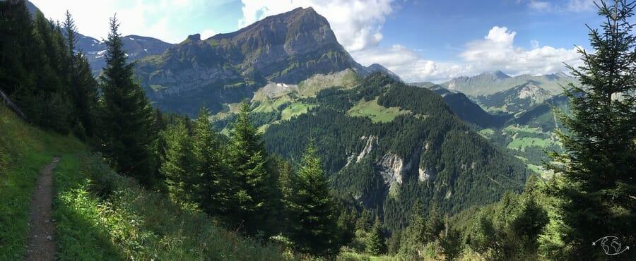 Randonnée suisse - vue sur la Dent de Bonavau