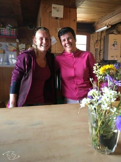 Amandine et Fabienne à la Cabane de Susanfe