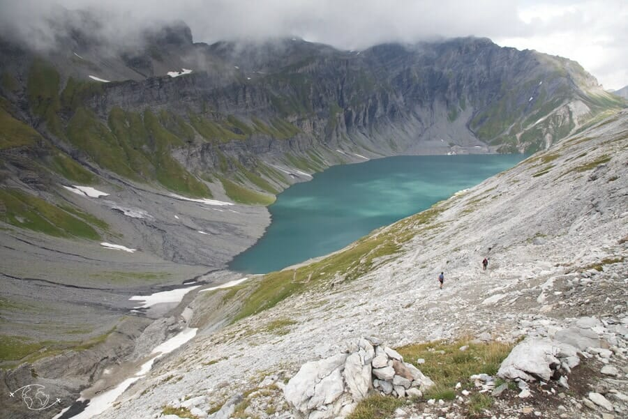 Randonneurs au Lac d'Emosson - Tour du Ruan