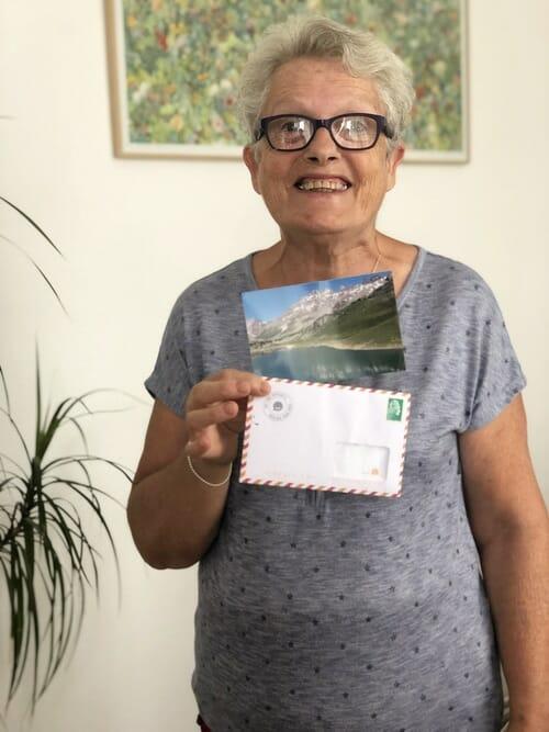 Maman avec sa carte Popcarte