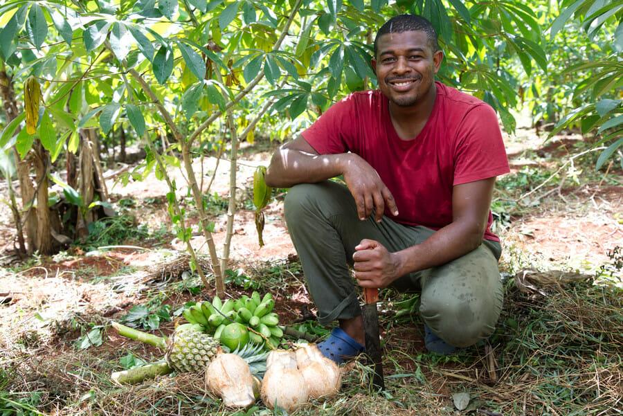 Jardin d'Imany - Anwar le propriétaire et guide - Visiter Mayotte