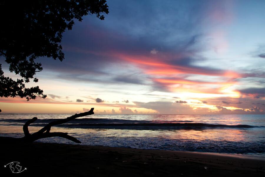 Plage de Sohoa_coucher de soleil_ Visiter Mayotte