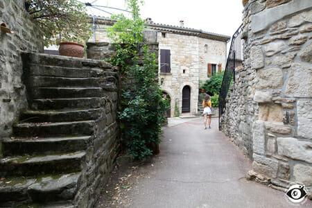 Charmante ruelle de Vinezac