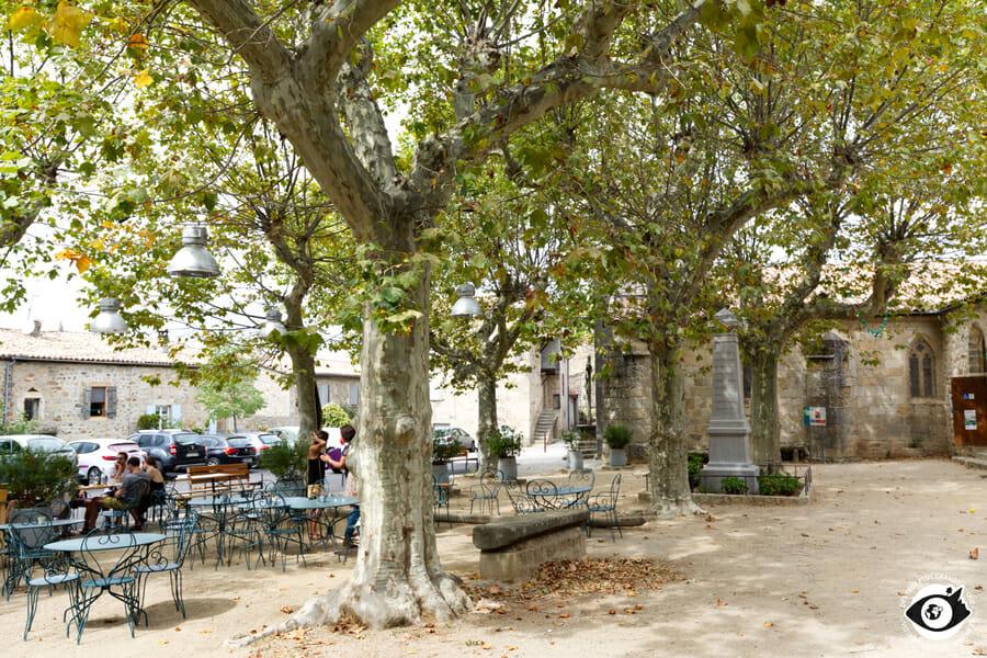 Place du village de Ailhon - Ardèche