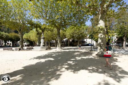 Place du village de Jaujac - Ardèche