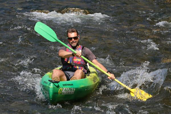 Que faire en Ardèche ? Moi en kayak dans les rapides