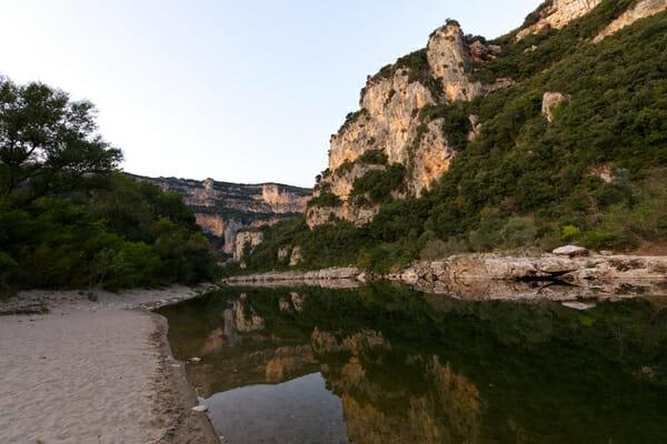 Que faire en Ardèche ? Plage du Bivouac de Gaud