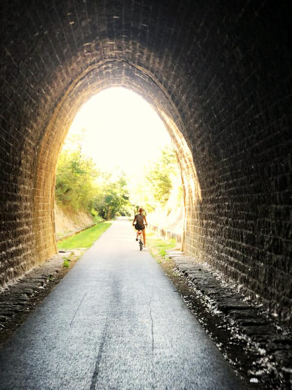 Tunnel sur la voie douce de la Payre - Que faire en Ardèche ?