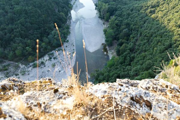 Vue plongeante des falaises - Bivouac de Gaud